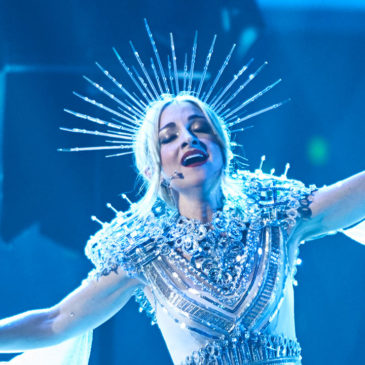 Past Young Achiever Awards winner Kate Miller-Heidke will be competing at Eurovision in May! Kate won The Coffee Club Arts Award for Queensland 10 years ago